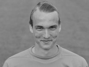 Tristan Martinsen-Hickman satser på karriere som målvakt i den engelske League 2-klubben Dagenham & Redbridge.